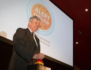 Opstelten opent AlertOnline.nl